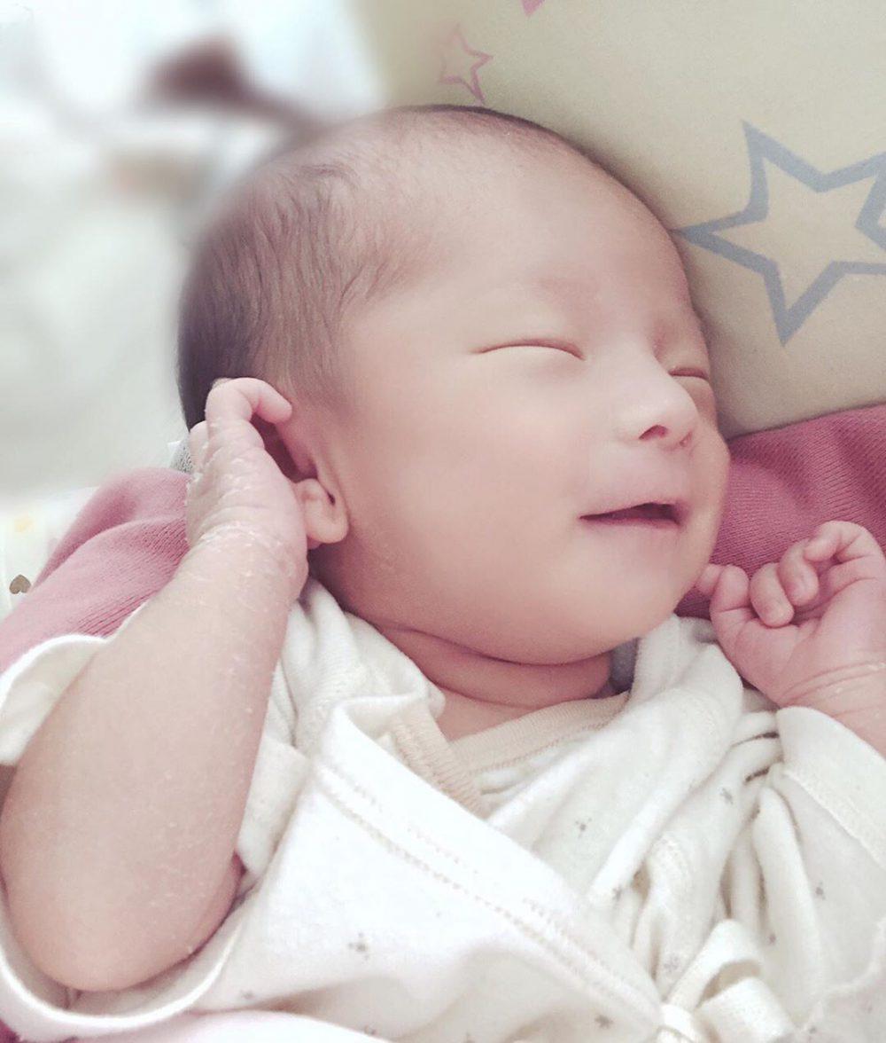 「赤ちゃん写真の残し方」新生児期